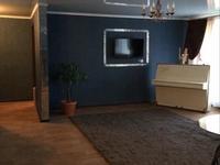3-комнатная квартира, 130 м², 4/5 этаж помесячно