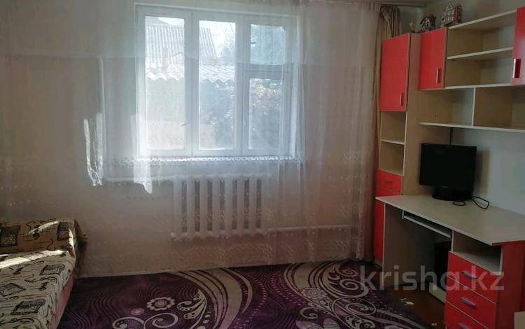 4-комнатный дом, 101 м², 6 сот., мкр Алтын Бесик, Токпанова за 35 млн 〒 в Алматы, Ауэзовский р-н
