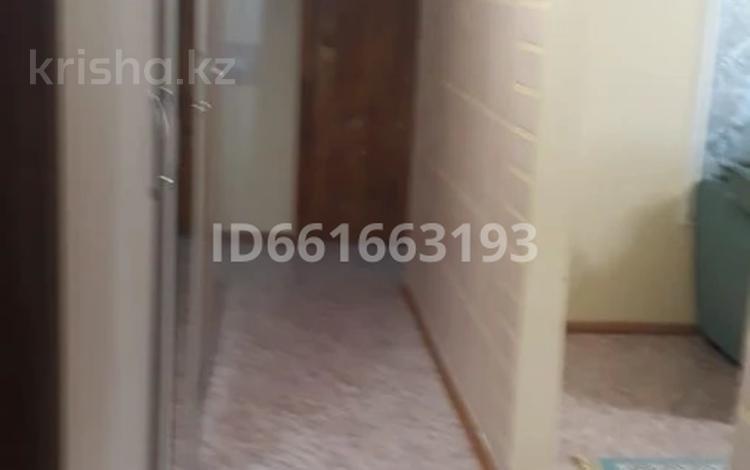 3-комнатная квартира, 60 м², 6/9 этаж помесячно, Кереева за 80 000 〒 в Актобе, Старый город