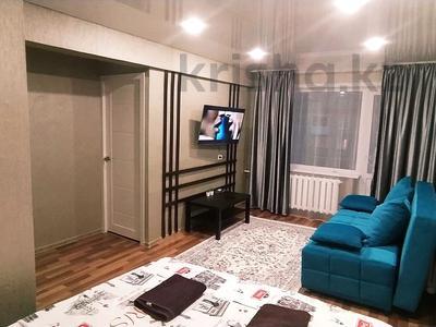 1-комнатная квартира, 35 м², 5/5 этаж посуточно, Казахстан 92 за 10 000 〒 в Усть-Каменогорске — фото 6