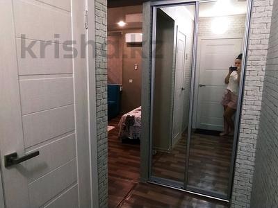 1-комнатная квартира, 35 м², 5/5 этаж посуточно, Казахстан 92 за 10 000 〒 в Усть-Каменогорске — фото 10