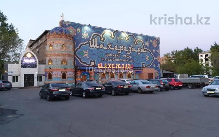 Здание, площадью 2377 м², Магжана Жумабаева 8 — Кажымукана за 485 млн 〒 в Нур-Султане (Астане)