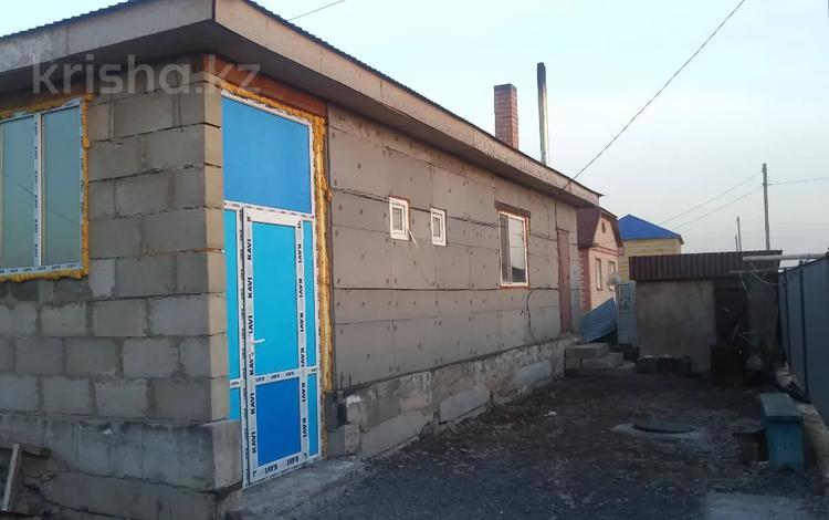 4-комнатный дом, 140 м², 10 сот., Куляш Байсейтовой 13 — Центральная за 15.7 млн 〒 в Караоткеле