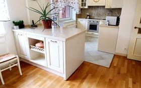 5-комнатная квартира, 160 м², 3/5 этаж помесячно, мкр Самал-1 за 550 000 〒 в Алматы, Медеуский р-н