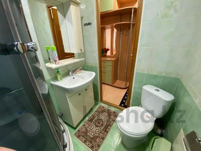 1-комнатная квартира, 65 м², 4/5 этаж посуточно, Достык 240 за 6 999 〒 в Уральске — фото 3