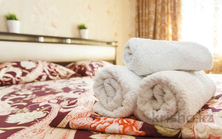2-комнатная квартира, 65 м², 4/5 этаж посуточно, Мухита 130 за 9 999 〒 в Уральске