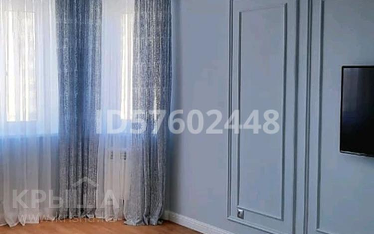1-комнатная квартира, 57 м², 5/6 этаж, Батыс-2 14 за 13.9 млн 〒 в Актобе, мкр. Батыс-2