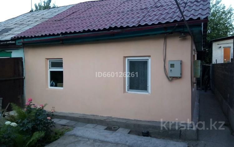 2-комнатный дом, 40 м², 1.7 сот., Радищева 42 — Осоавияхима за 12.5 млн 〒 в Алматы