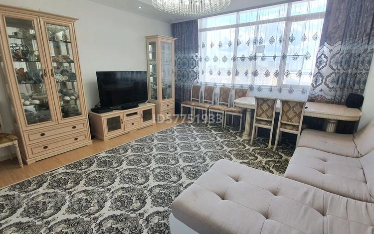 4-комнатная квартира, 121 м², 11/20 этаж, Кабанбай батыра 43 за 64.5 млн 〒 в Нур-Султане (Астана), Есиль р-н
