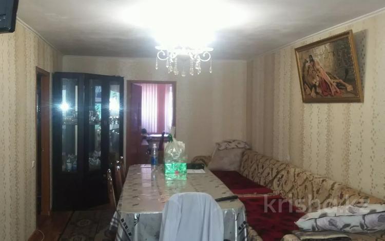 3-комнатная квартира, 54 м², 2/4 этаж, Аль-Фарабийский р-н за 18.5 млн 〒 в Шымкенте, Аль-Фарабийский р-н