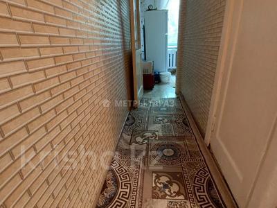 2-комнатная квартира, 44 м², 2/5 этаж, Микрарайон Акбулак за 10.5 млн 〒 в Таразе