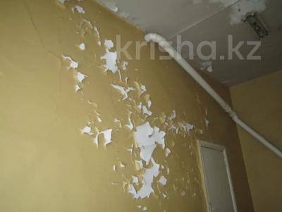 Здание, площадью 1068.7 м², Пичугина 4/8 за 39.7 млн 〒 в Караганде, Казыбек би р-н — фото 7