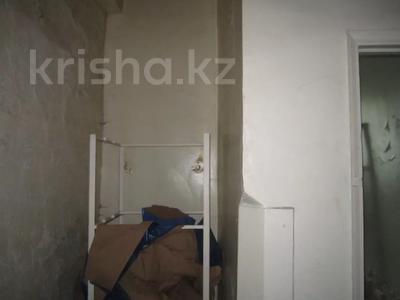 Здание, площадью 1068.7 м², Пичугина 4/8 за 39.7 млн 〒 в Караганде, Казыбек би р-н — фото 8