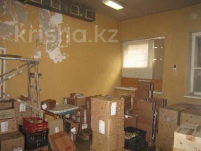 Здание, площадью 1068.7 м², Пичугина 4/8 за 39.7 млн 〒 в Караганде, Казыбек би р-н — фото 9