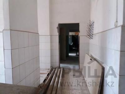 Здание, площадью 1068.7 м², Пичугина 4/8 за 39.7 млн 〒 в Караганде, Казыбек би р-н — фото 11
