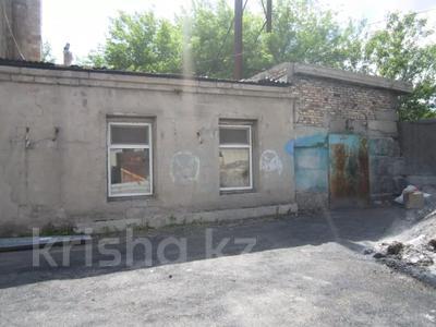 Здание, площадью 1068.7 м², Пичугина 4/8 за 39.7 млн 〒 в Караганде, Казыбек би р-н — фото 16
