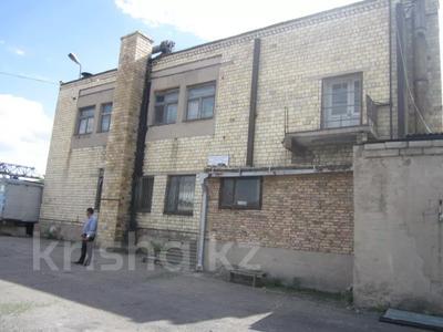 Здание, площадью 1068.7 м², Пичугина 4/8 за 39.7 млн 〒 в Караганде, Казыбек би р-н — фото 2