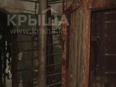 Здание, площадью 1068.7 м², Пичугина 4/8 за 39.7 млн 〒 в Караганде, Казыбек би р-н — фото 17