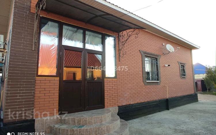 4-комнатный дом, 120 м², 10 сот., мкр Сарыкамыс-2 23 — 6 за 35 млн 〒 в Атырау, мкр Сарыкамыс-2