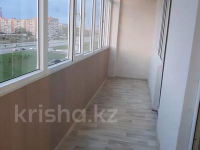 1-комнатная квартира, 45 м², 5/10 этаж помесячно, Казыбек би 5 за 58 000 〒 в Усть-Каменогорске — фото 4