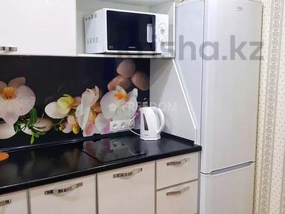 1-комнатная квартира, 36 м², 3/5 этаж посуточно, Естая 56 — Бектурова за 7 500 〒 в Павлодаре — фото 5