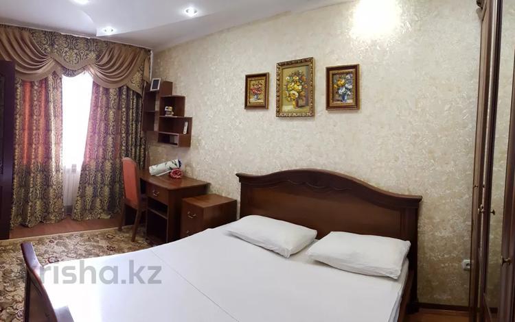 2-комнатная квартира, 65 м², 1/6 этаж посуточно, Баймагамбетова 169 — Павлова за 10 000 〒 в Костанае