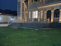 7-комнатный дом, 750 м², 10 сот.