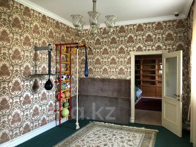 6-комнатный дом, 400 м², 20 сот., Оспанова за 300 млн 〒 в Алматы — фото 16