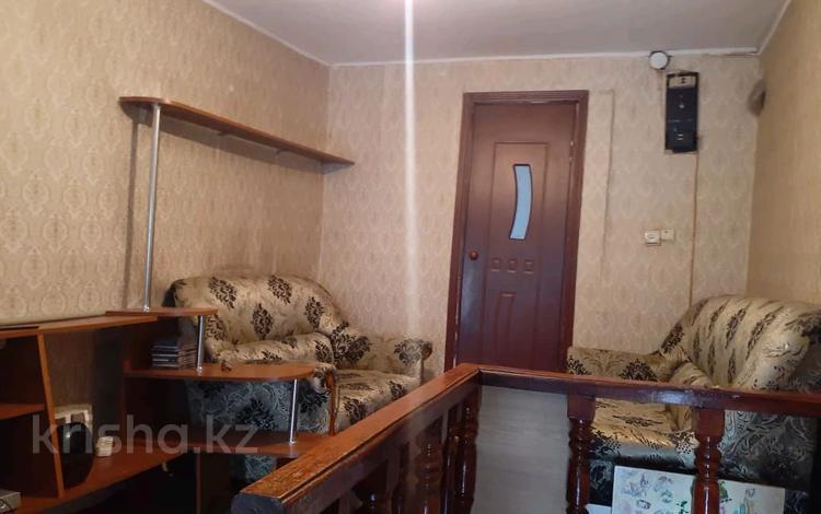5-комнатный дом помесячно, 60 м², Демченко за 60 000 〒 в Алматы, Медеуский р-н