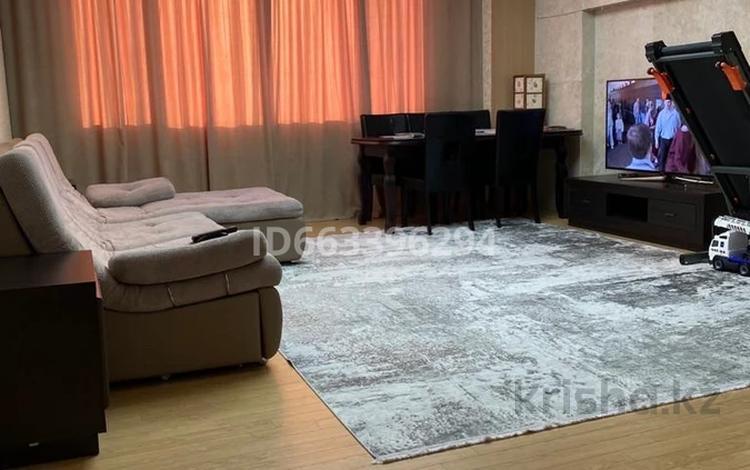 3-комнатная квартира, 98 м², 27/27 этаж, Р.Кошкарбаева 8 за 55 млн 〒 в Нур-Султане (Астана), Алматы р-н