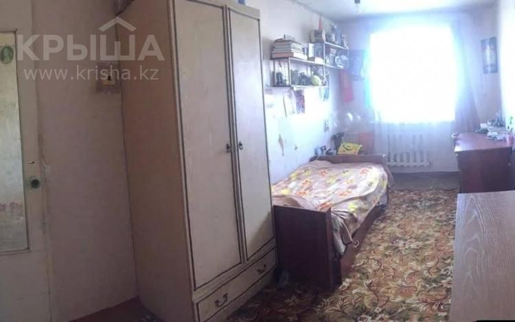 5-комнатная квартира, 81.5 м², 5/5 этаж, Мкр Восток-1 за 12.5 млн 〒 в Караганде, Октябрьский р-н