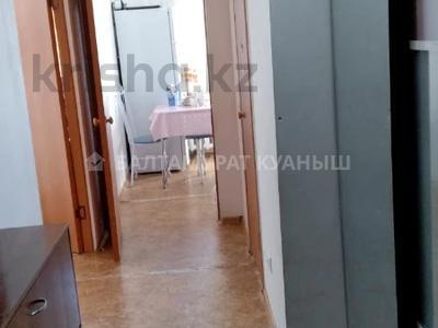 1-комнатная квартира, 40 м², 9/10 этаж, Кенена Азербаева за 13.3 млн 〒 в Нур-Султане (Астане), Алматы р-н