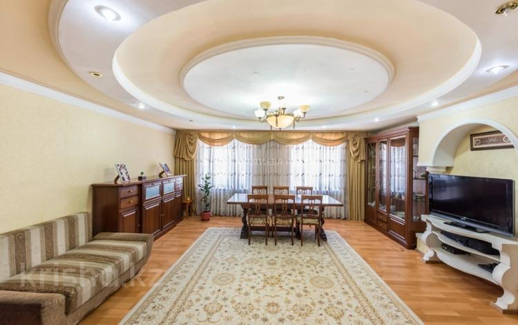 5-комнатный дом, 259 м², 6 сот., Комсомольский, Караоткель 47 за 89 млн 〒 в Нур-Султане (Астане), Есильский р-н