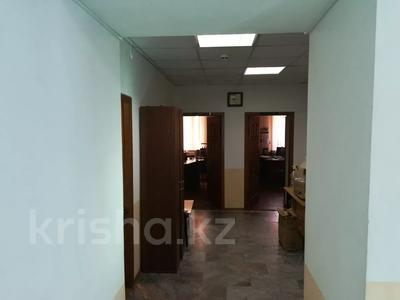 Офис площадью 72.7 м², Омарова 12 — Пересечение Курманбаева за 9.8 млн 〒 в Жезказгане — фото 3