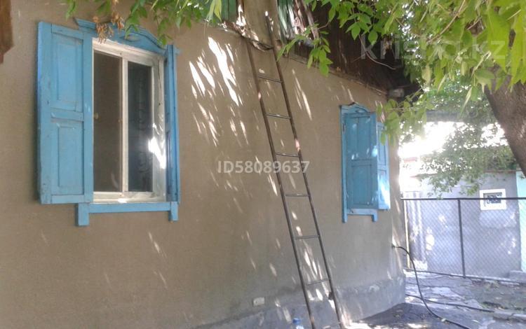 3-комнатный дом, 36 м², 3 сот., Жамбыла Тобаякова за 13 млн 〒 в Алматы, Жетысуский р-н