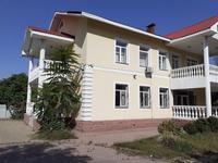 10-комнатный дом помесячно, 400 м², 11 сот.