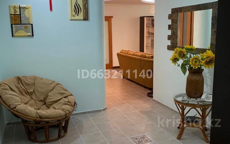 2-комнатная квартира, 110 м², 6/8 этаж помесячно, 14-й мкр 59 за 250 000 〒 в Актау, 14-й мкр
