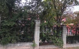 Здание, площадью 2000 м², мкр Самал-2 66 — Мендикулова за 2.9 млрд 〒 в Алматы, Медеуский р-н