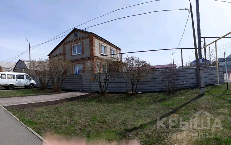 5-комнатный дом, 180 м², 10 сот., 8солнечная 21 за 25 млн 〒 в Костанае