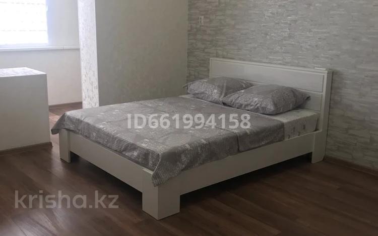 1-комнатная квартира, 48 м², 2/5 этаж посуточно, 14-й мкр 17а за 8 000 〒 в Актау, 14-й мкр