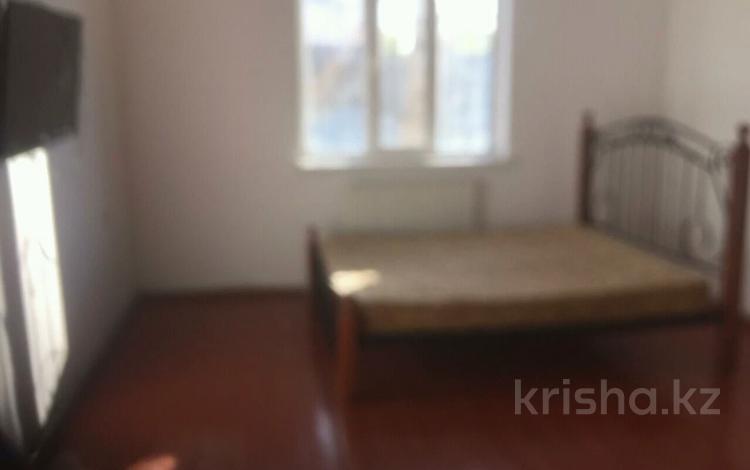 3-комнатный дом помесячно, 65 м², 8 сот., Комекбаева за 50 000 〒 в Шымкенте, Каратауский р-н