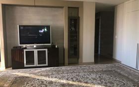 3-комнатная квартира, 140 м², 18/25 этаж помесячно, Байтурсынова 5 за 280 000 〒 в Нур-Султане (Астана), Алматы р-н