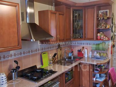 2-комнатная квартира, 48 м², 2/9 этаж, мкр Аксай-2 75 за 24 млн 〒 в Алматы, Ауэзовский р-н