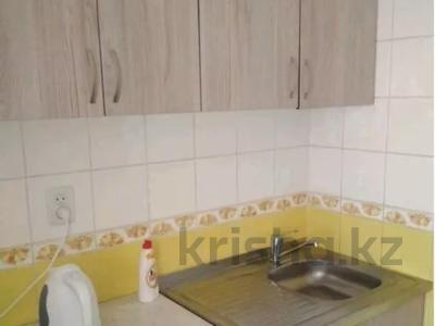 1-комнатная квартира, 35 м², 3/5 этаж, Желтоксан 49 за 10.3 млн 〒 в Нур-Султане (Астана), Сарыаркинский р-н — фото 4