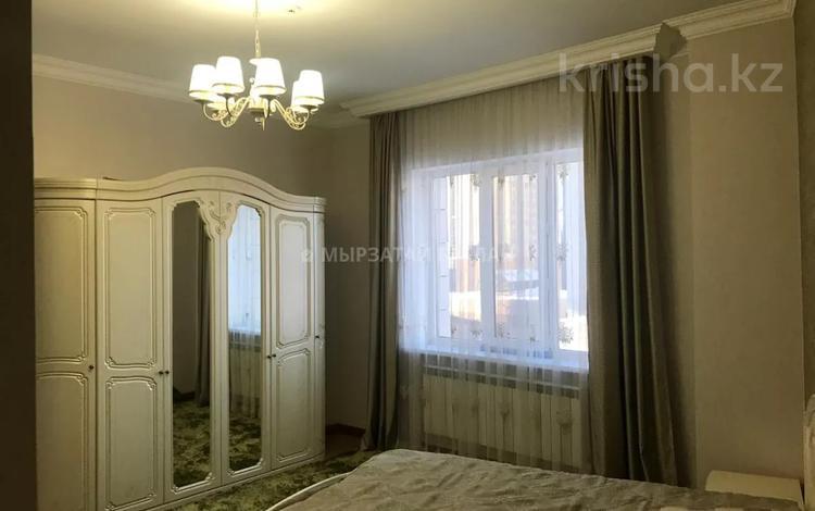 3-комнатная квартира, 120 м², 7/18 этаж помесячно, Кенесары 51 за 230 000 〒 в Нур-Султане (Астана), р-н Байконур