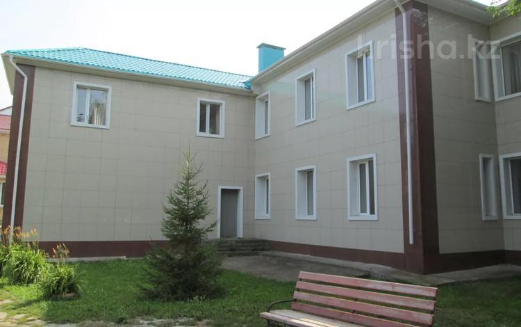 Здание, площадью 2770.5 м², Гоголя за ~ 263.1 млн 〒 в Костанае