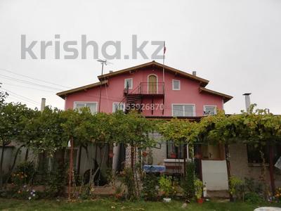 5-комнатный дом, 200 м², 9 сот., Болгария с. Соколово за 43 млн 〒 в Добриче