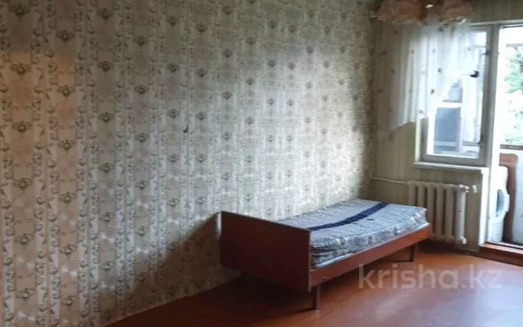 2-комнатная квартира, 43 м², 4/4 этаж, мкр №1, Мкр №1 — Саина-Улугбека за 15.4 млн 〒 в Алматы, Ауэзовский р-н