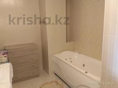 4-комнатная квартира, 165 м², 5 этаж помесячно, Сыганак 23 — Акмешит за 320 000 〒 в Нур-Султане (Астана), Есильский р-н — фото 4