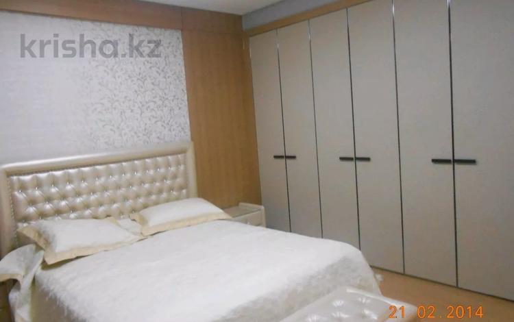 1-комнатная квартира, 55 м² помесячно, Кошкарбаева 45 за 90 000 〒 в Нур-Султане (Астана), Алматы р-н
